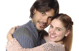 Rafael (Ricardo Martins) e Sofia (Juliana Baroni)