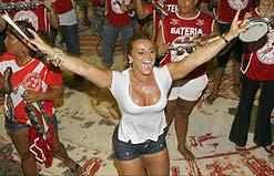 Viviane Araújo ensaia na quadra do Salgueiro para o Carnaval 2009